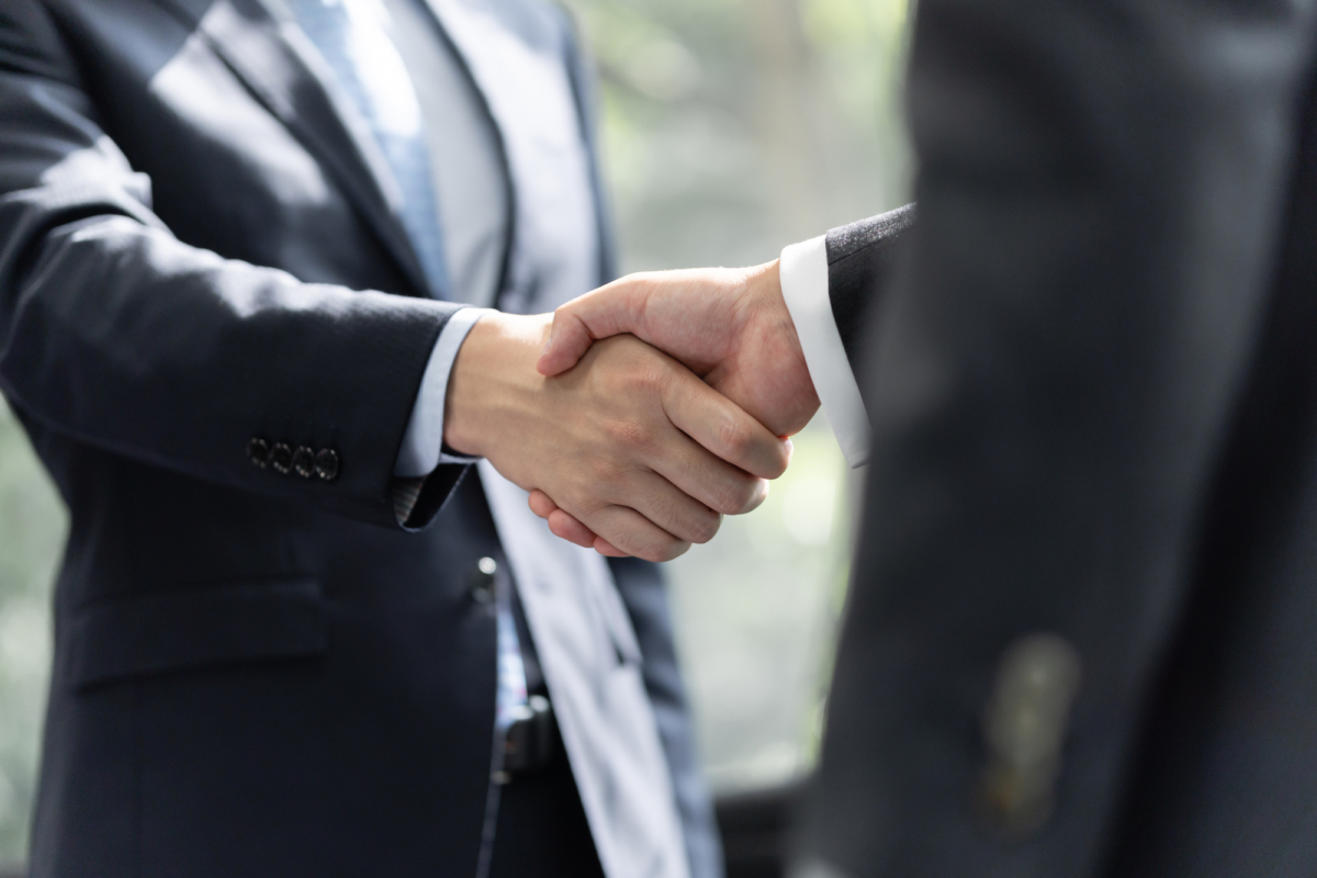 60代男性 経営コンサルティング会社社長 海外積立投資に加え「海外固定金利プラン」に加入された事例