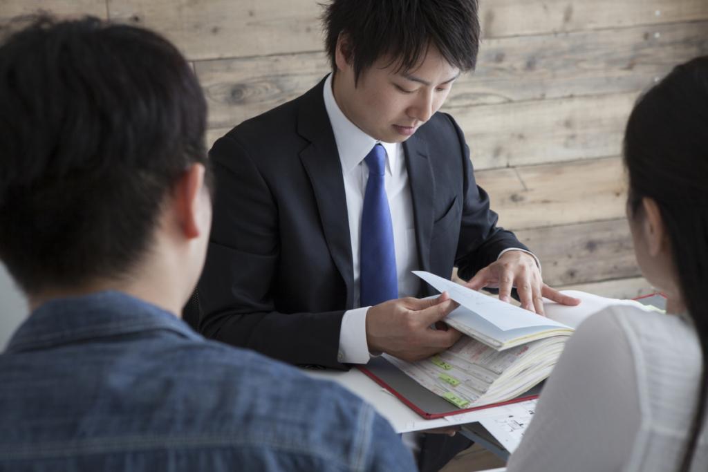 【相談実例】投資経験がほとんどない30代会社員が、なぜ海外積立投資(元本確保型プラン)を選んだ?その2つの理由